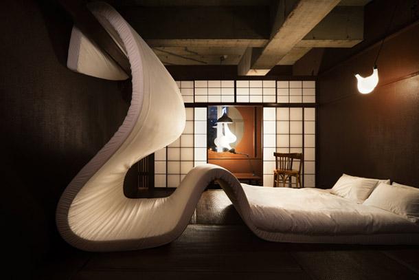 LLove-Exhibition_Tokyo_yellowtrace_01