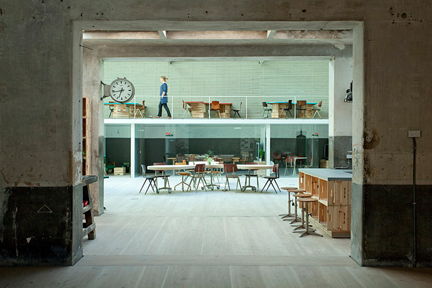 Hub-Offices_Madrid_ch-qs-arquitectos_yellowtrace_01