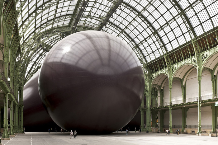 Mind bending installations sculptures by anish kapoor yellowtrace - Anish kapoor monumenta ...