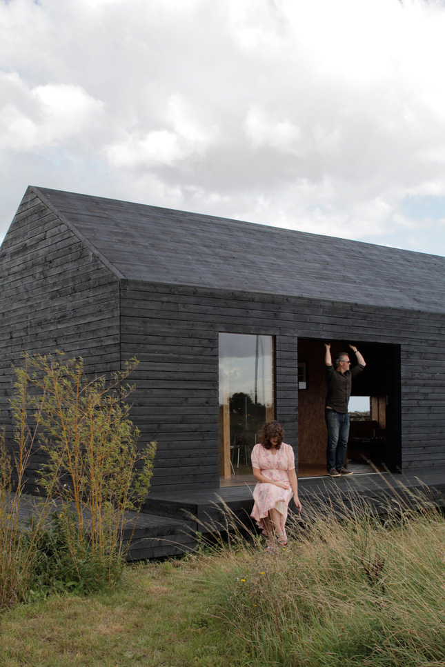 Ochre barn by carl turner architects norfolk england for Architects norfolk