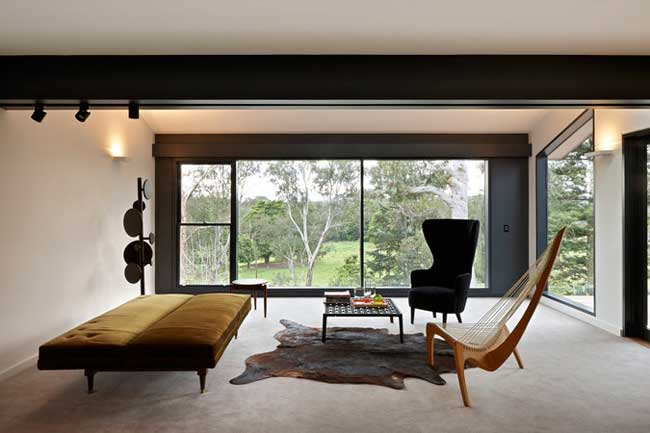 Courtyard House, VIC by Studio Moore. Photography by Lachlan Moore.