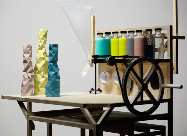 yellowtrace_Faceture-vases_Phil-Cuttance_01