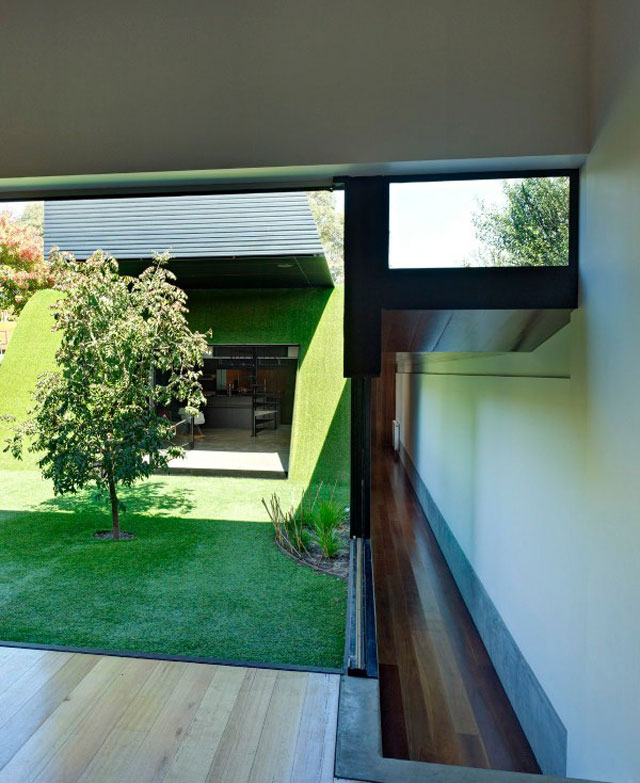 Hill House By Andrew Maynard Architects: Little Trace Of // Andrew Maynard Architects.