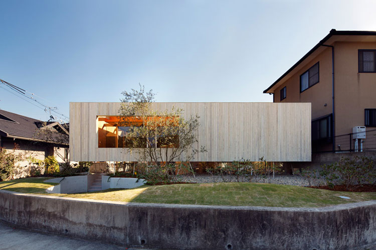 Pit House, Okayama, Japan // UID Architects.