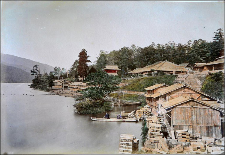 Hand Coloured Photos of Japan from 1886 by Adolfo Farsari, via Yellowtrace.