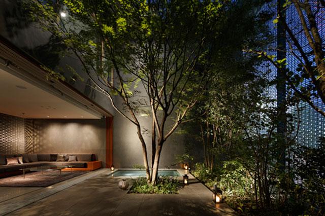 Optical Glass House by Hiroshi Nakamura & NAP // Hiroshima, Japan.
