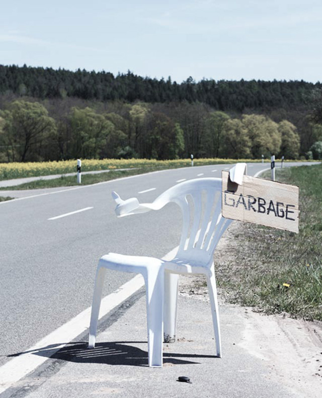 Monobloc chair hitchhike