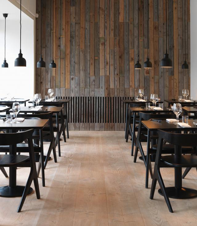 restaurant radio copenhagen by holmb cknordentoft. Black Bedroom Furniture Sets. Home Design Ideas