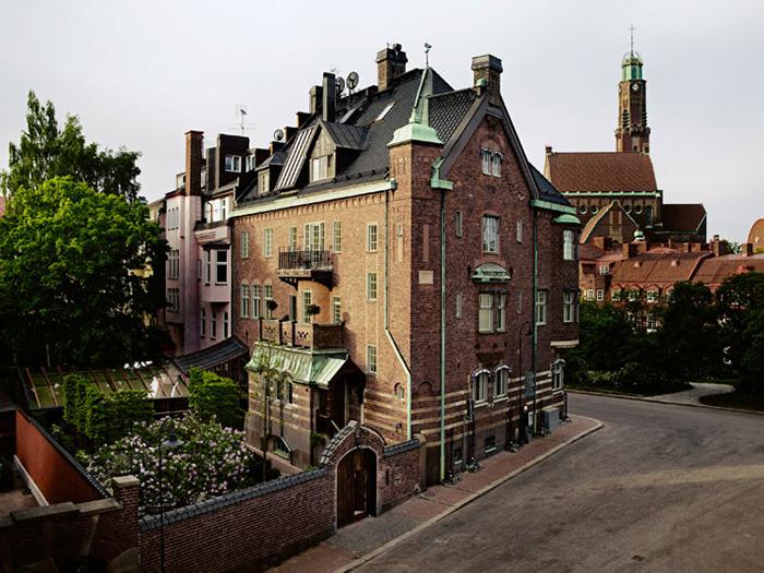 ett hem hotel exterior
