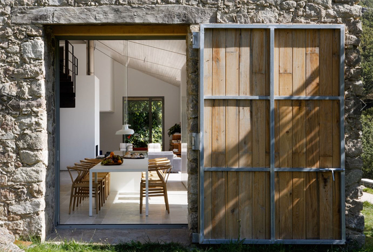 Gallery Post // Estate in Extremadura, Spain by ÁBATON.
