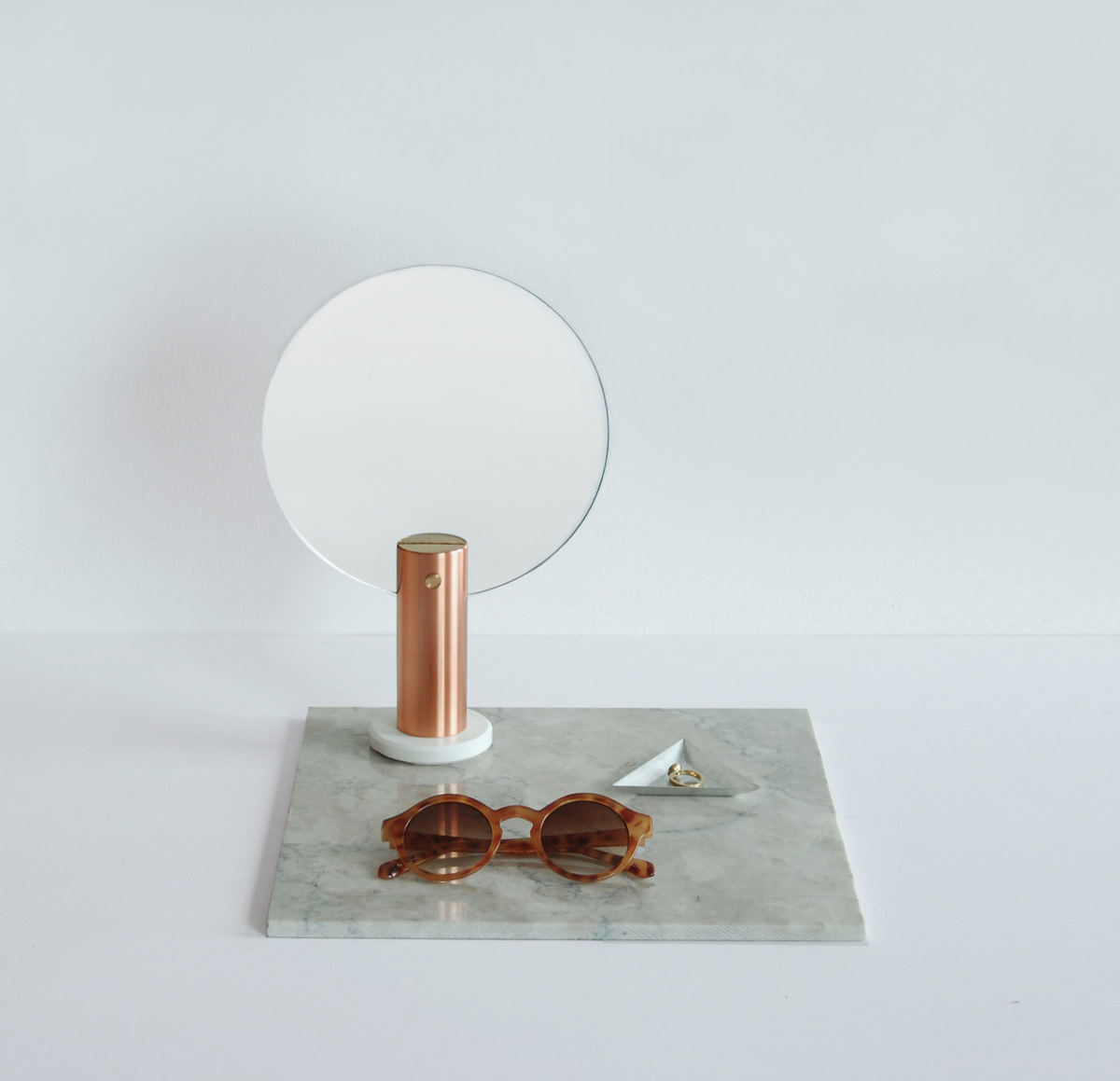 Maru Mirror by Ladies & Gentlemen Studio | Yellowtrace.