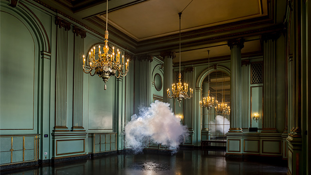 Berndnaut Smilde Makes Real Clouds [TV].