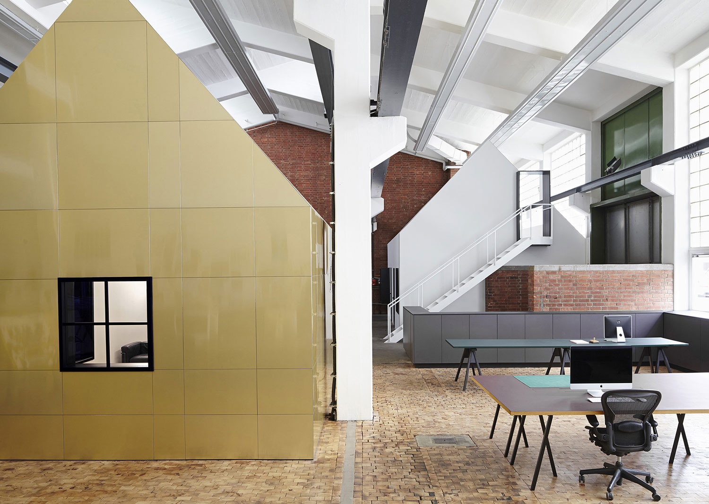 1df1ba00a594  Halle A  Creative Studio Space by Designliga