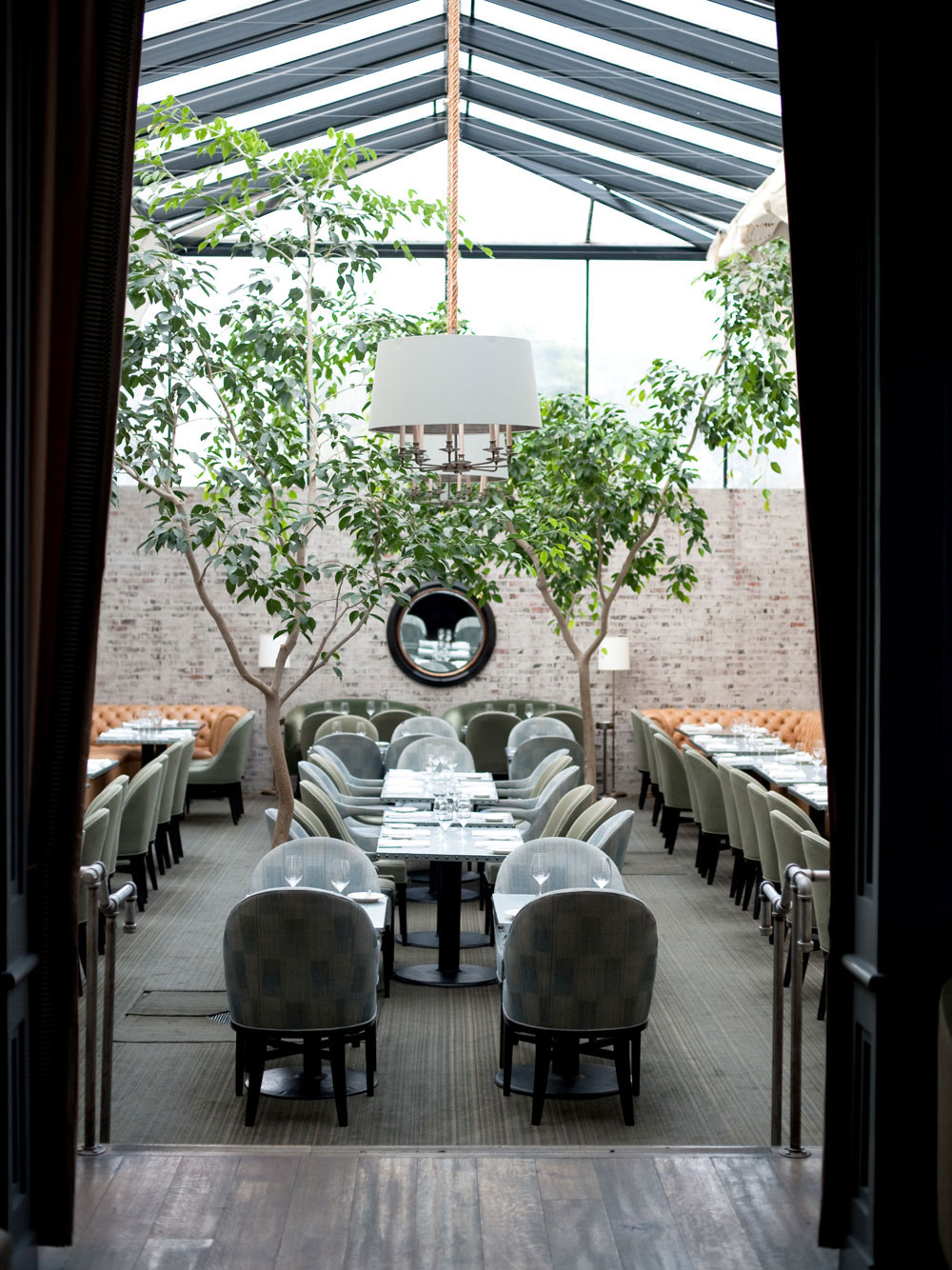 Taverna Restaurant, Los Angeles | Yellowtrace.