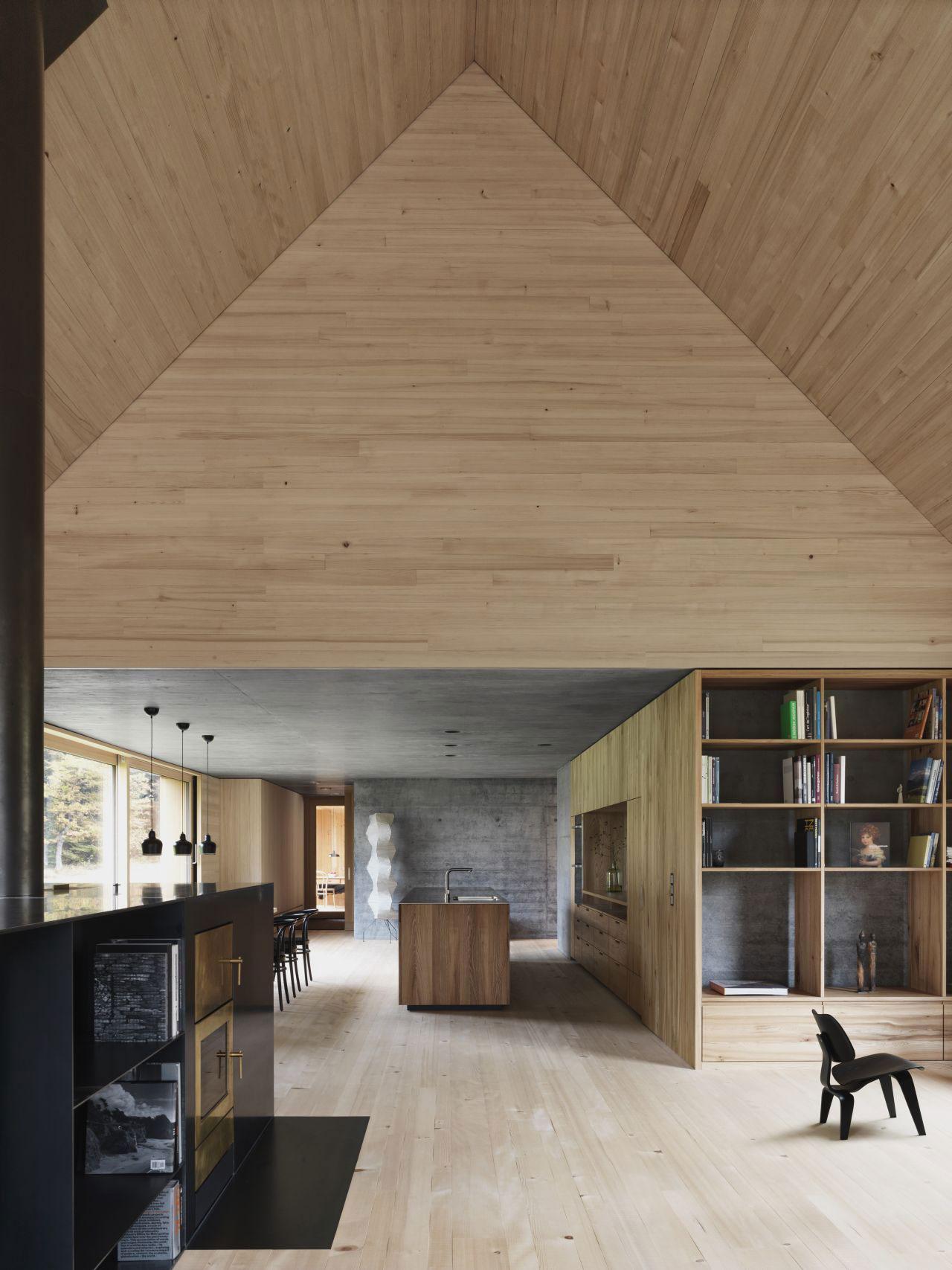 Haus am moor by bernardo bader architects austria for Interior design innsbruck