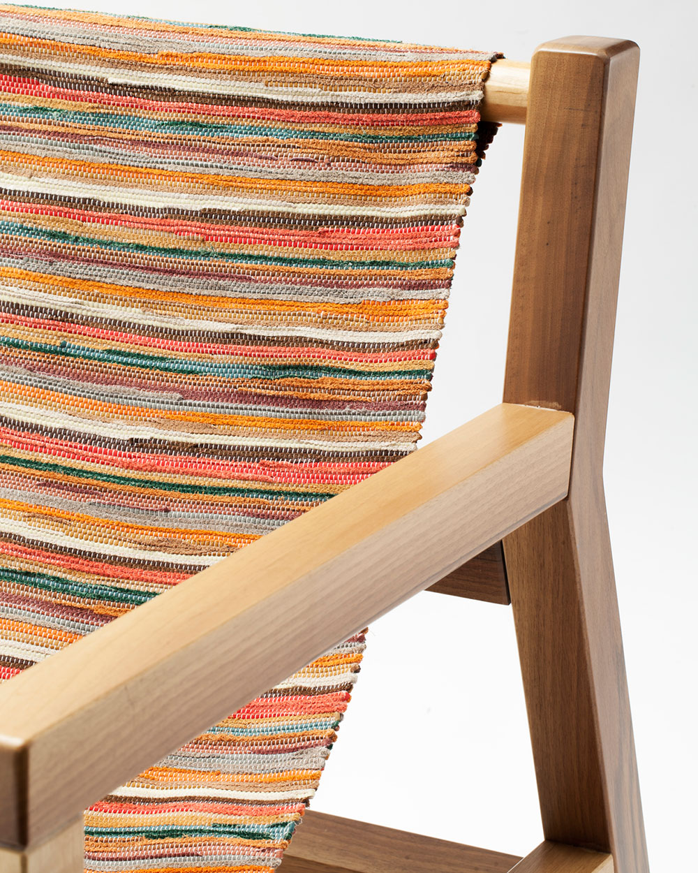 Piateda Armchair by Giorgio Bonaguro | Yellowtrace.