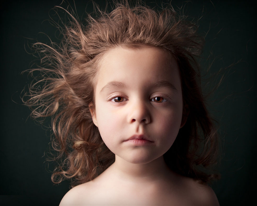 Bill Gekas' portraits of his 5-year-old daughter Athena | Yellowtrace.