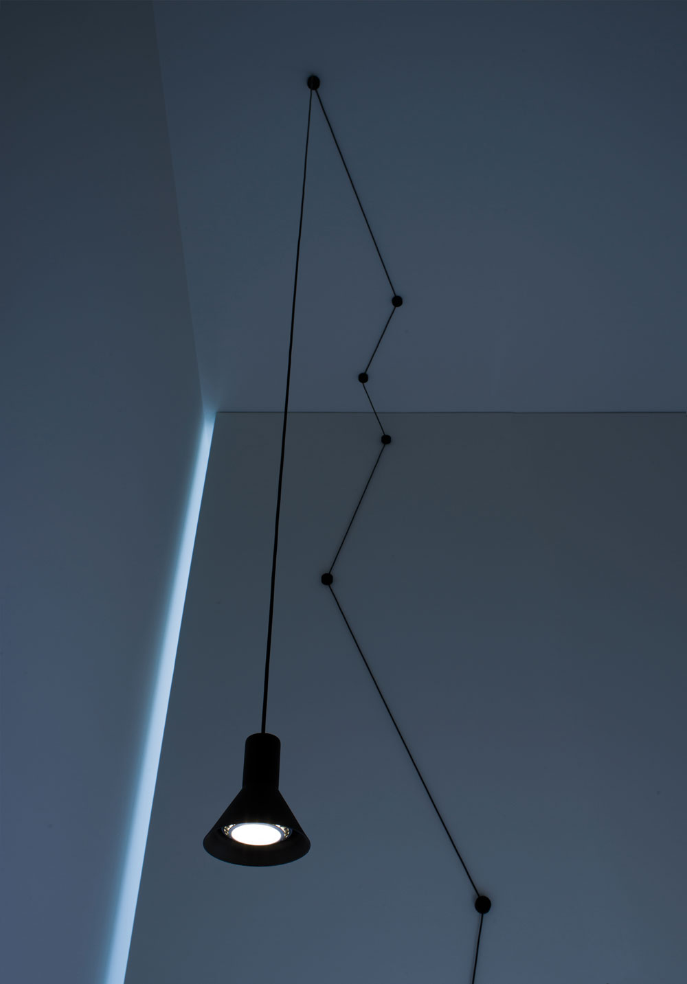 N-EURO Suspension Lamp by Beppe Merlano for Davide Groppi | Yellowtrace.