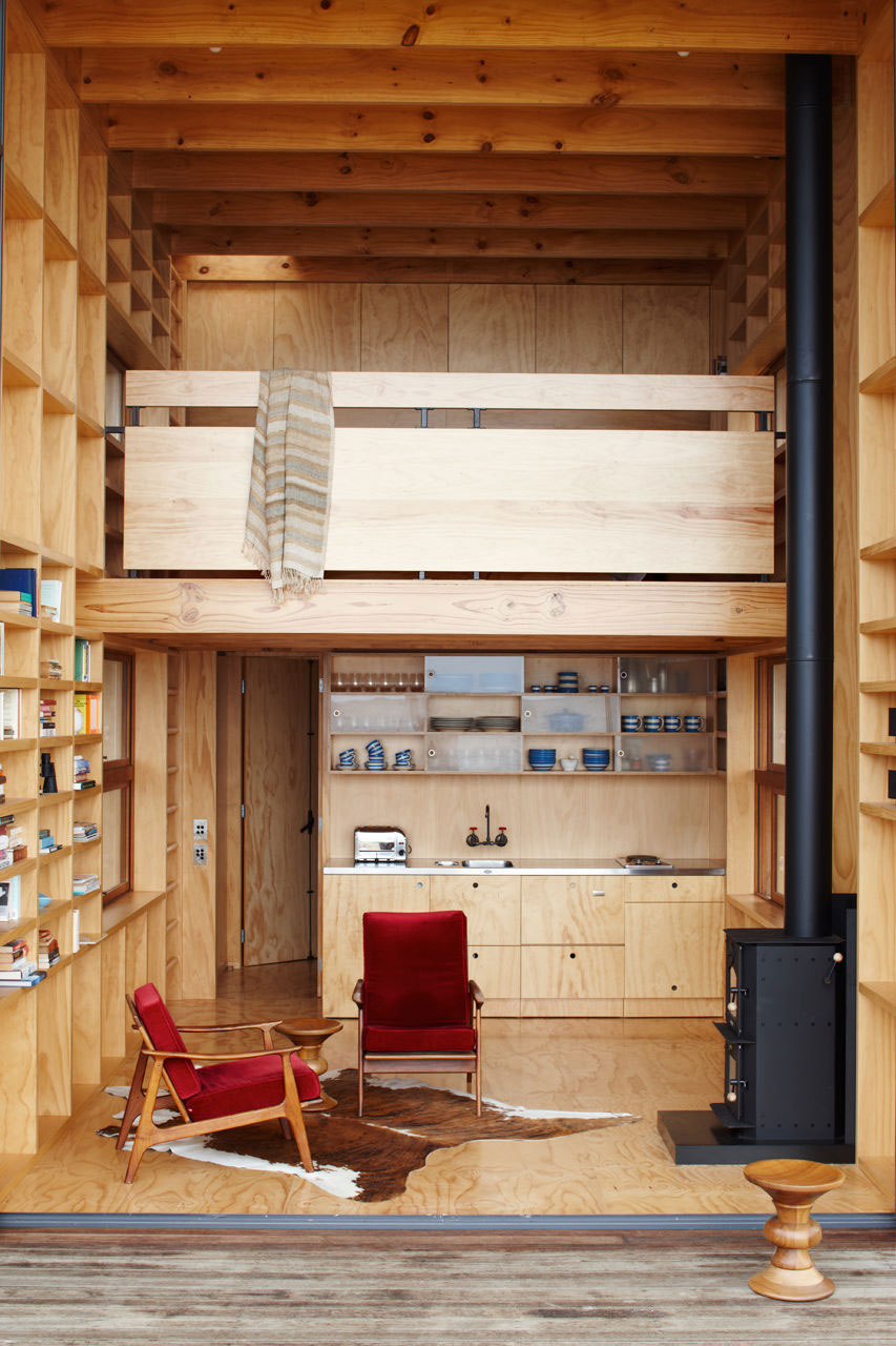Whangapoua Sled House by Crosson Clarke Carnachan | Yellowtrace
