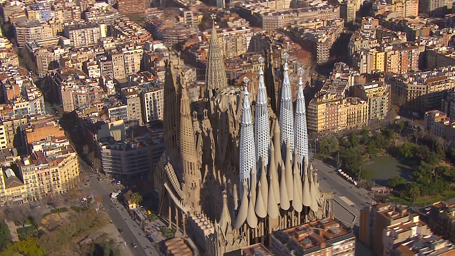 Video // Animated Fly-By of the Completion of Gaudi's Sagrada Familia.