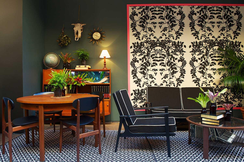Gumtree Garden Pop-Up Bar, Designed by Yellowtrace   Mid Century Set