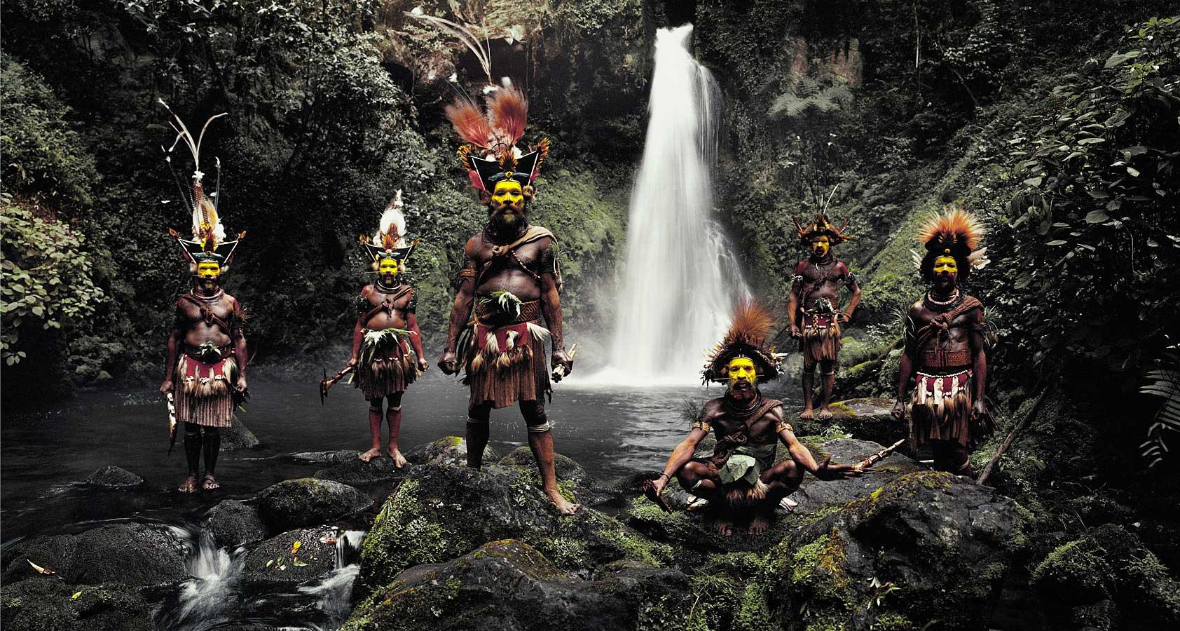 Huli Tribe, Papua New Guinea. Photo by Jimmy Nelson | Yellowtrace