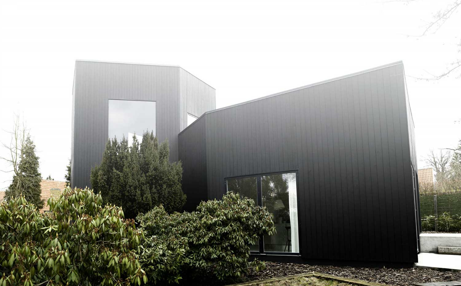 Villa Weinberg, Denmark by Mette and Martin Wienberg   Yellowtrace