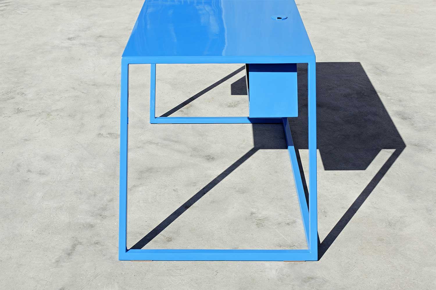 60 Blue Table by XYZ Integrated Architecture | Yellowtrace