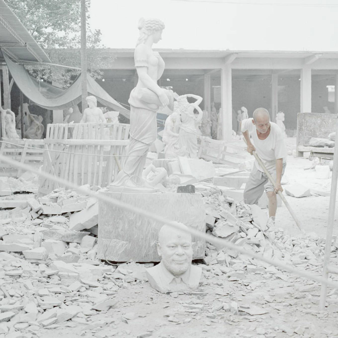 Chinese Artists Reproducing Classical Sculptures | Yellowtrace