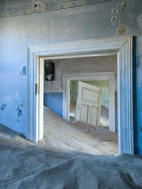 Christopher Rimmer's Haunting Images of Abandoned Towns Buried by Sand.