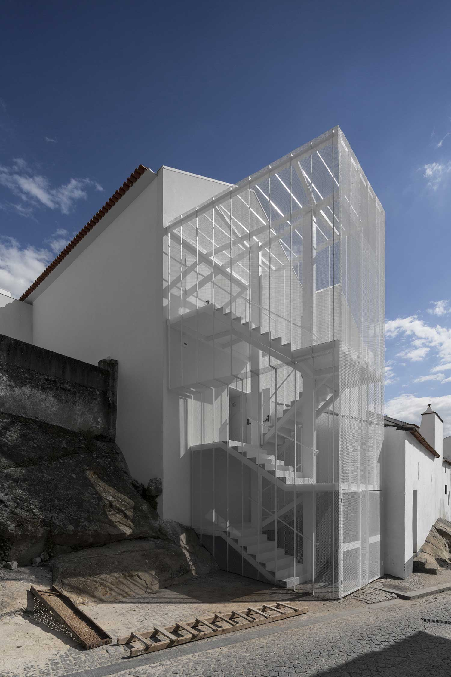 Tapestry Museum in Portugal By CVDB Architects | Yellowtrace