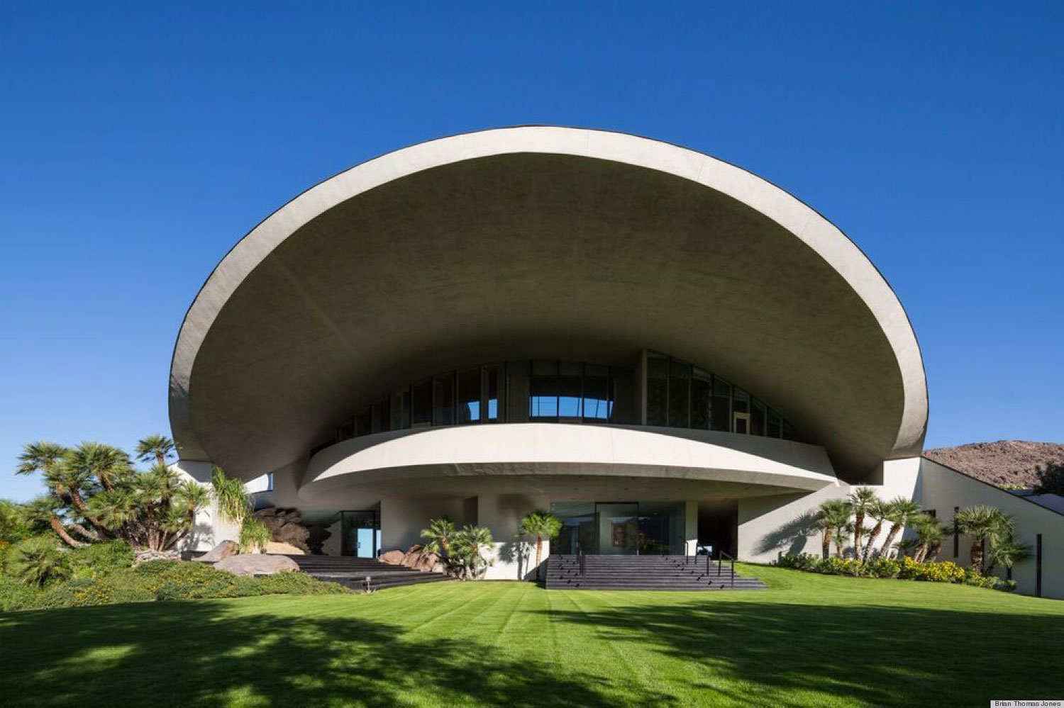 >Bob Hope's house by John Lautner. Palm Springs Modernism Week 2014 | Yellowtrace