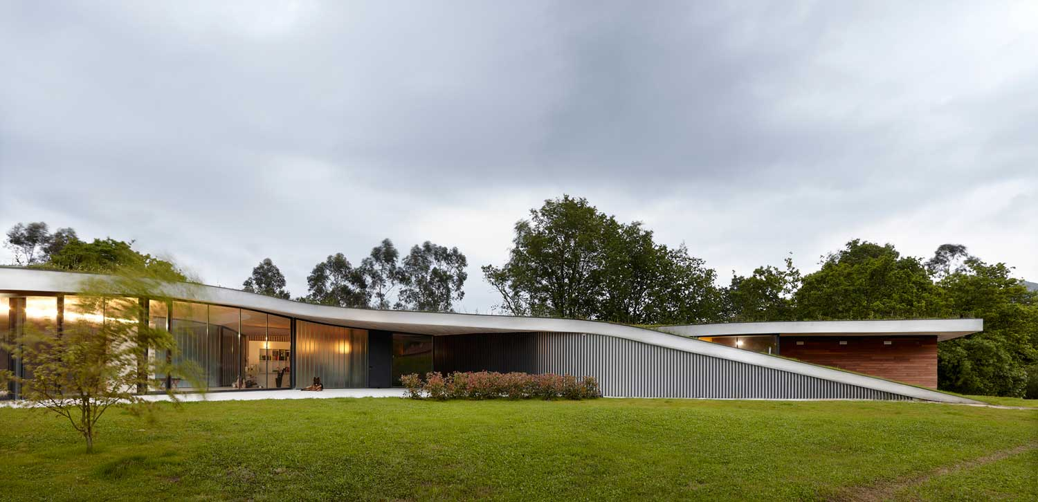 CAEaCLAVELES Residence and Hotel by longo+roldán Arquitectos | Yellowtrace