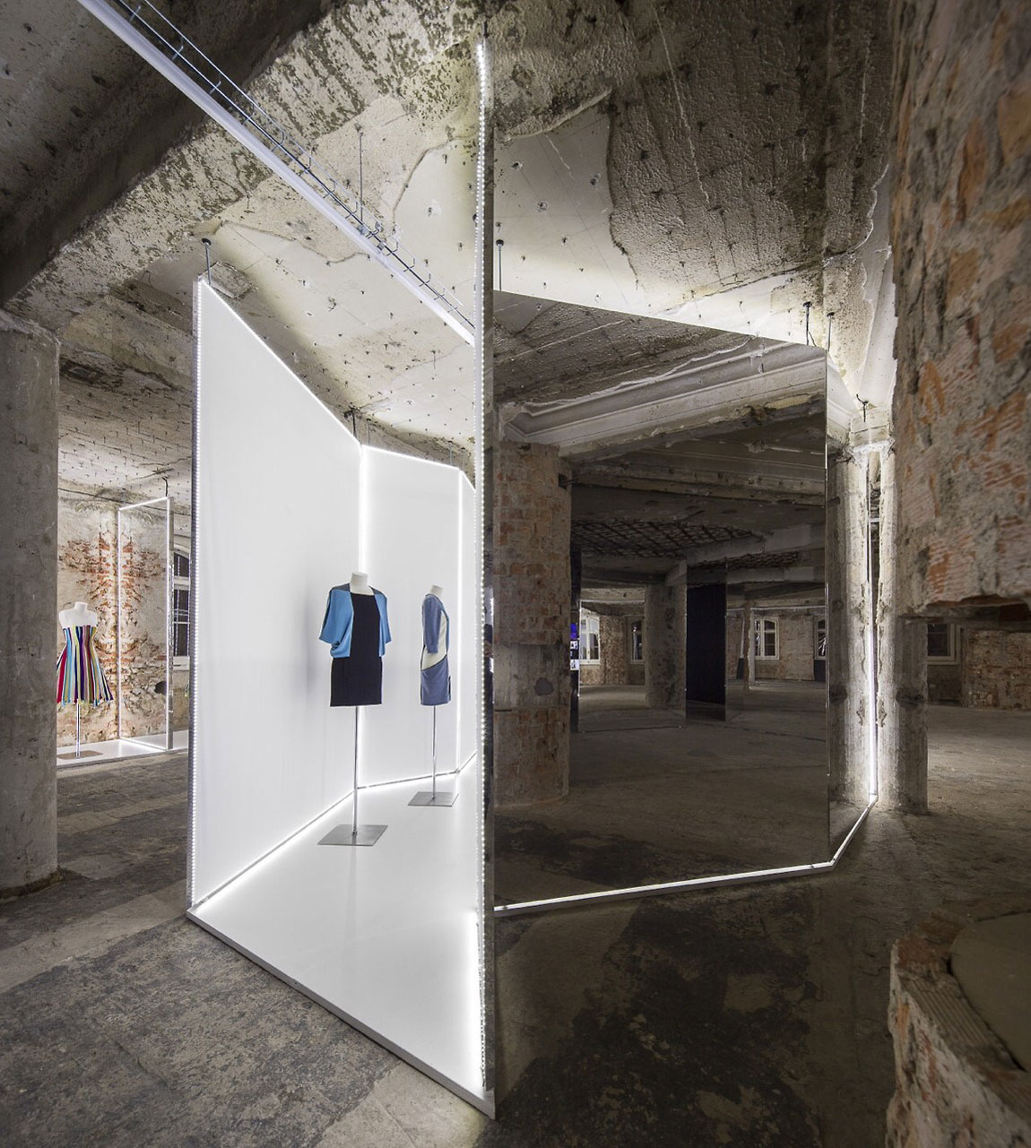 Bureau Betak's Knockout Mirrored Installation for Felipe Oliveira Baptista.