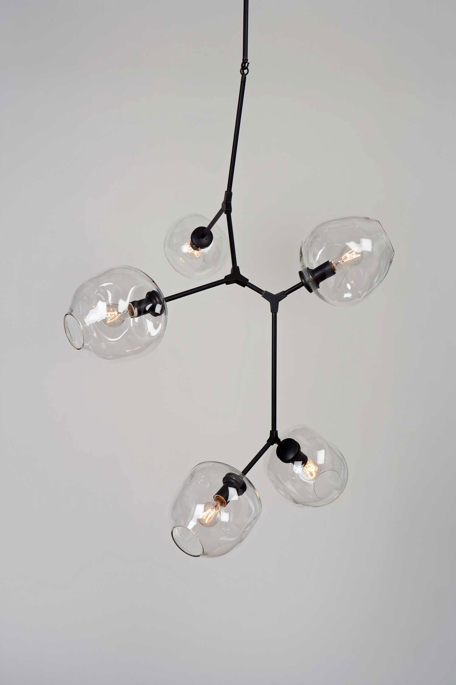 Globe Branching Bubble by Lindsey Adelman at Design Days Dubai 2014 | Yellowtrace