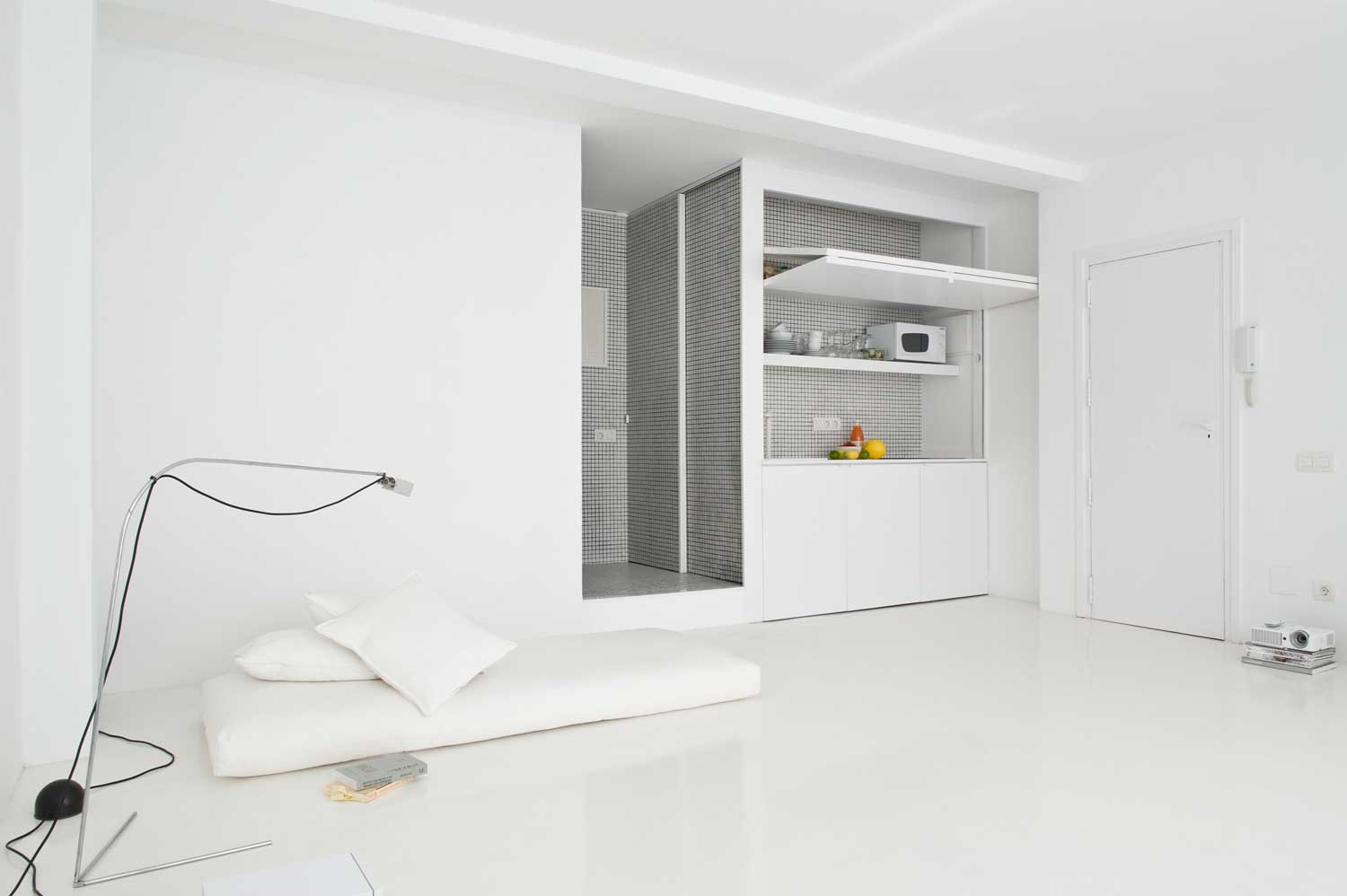 Gallery Post // The White Retreat by Colombo and Serboli Architecture.