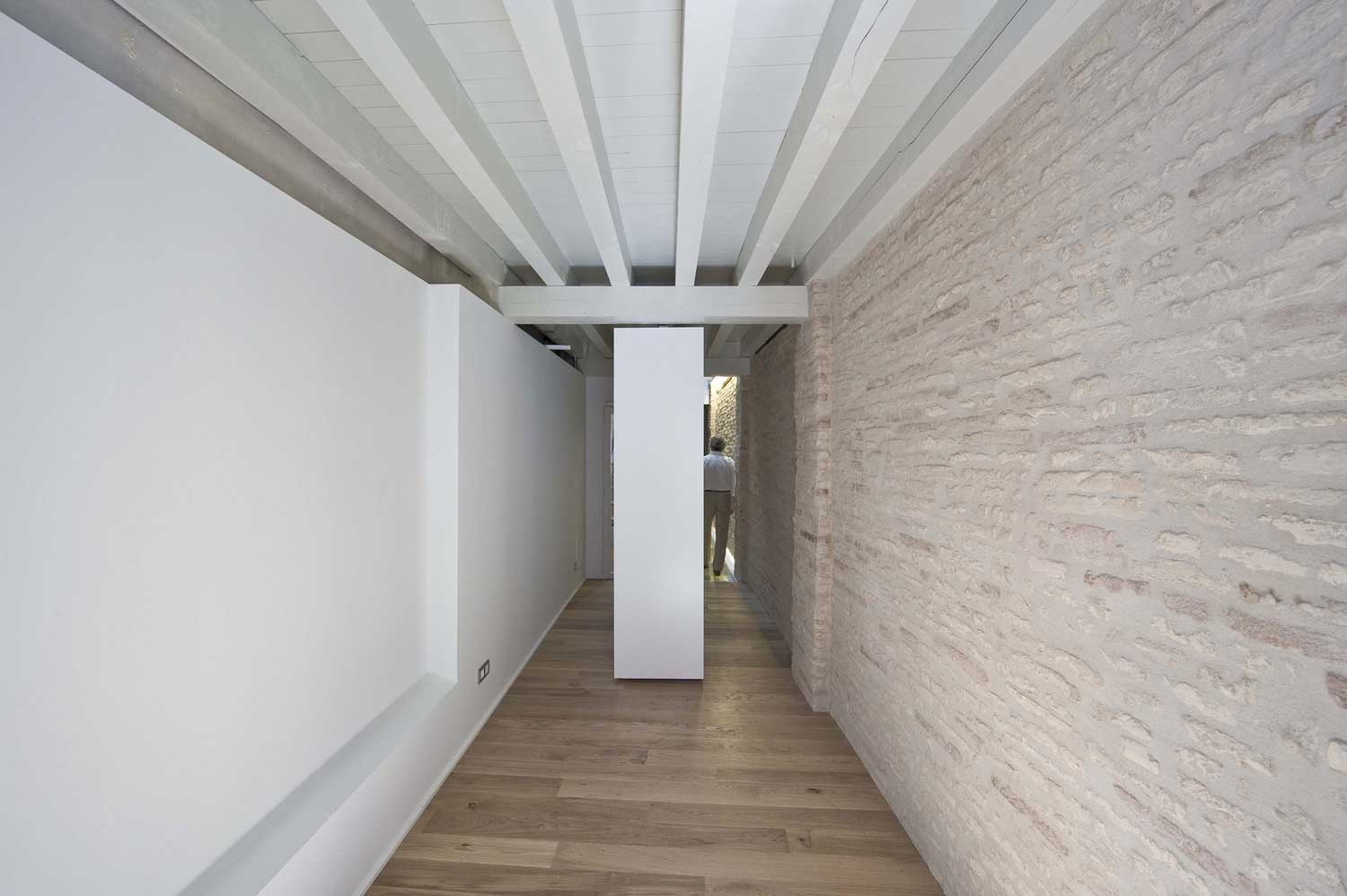 Building Refurbishment in Pamplona by Alfonso Alzugaray | Yellowtrace