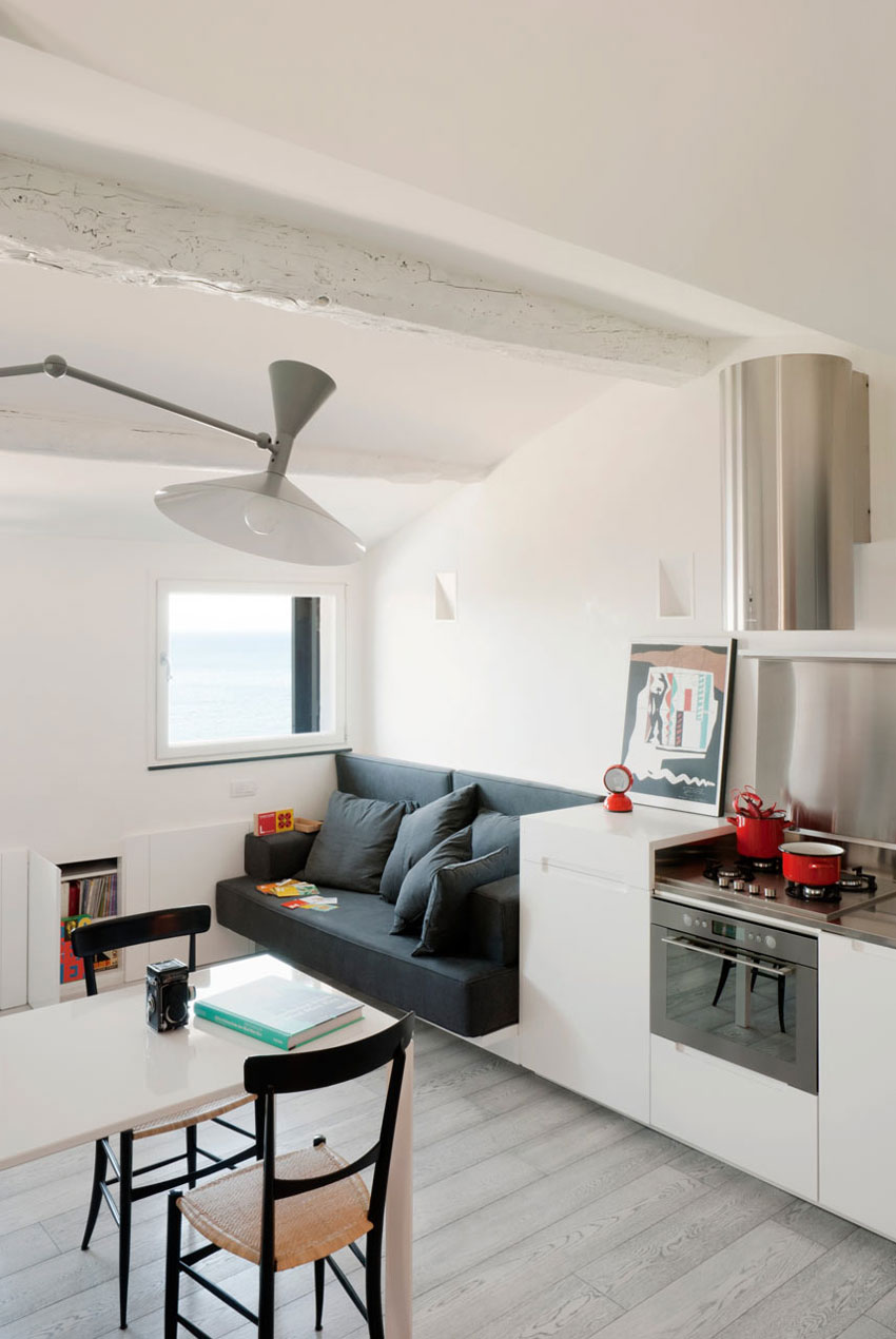 Gallery Post // Harbour Attic Apartment in Genoa, Italy by Gosplan Architects.