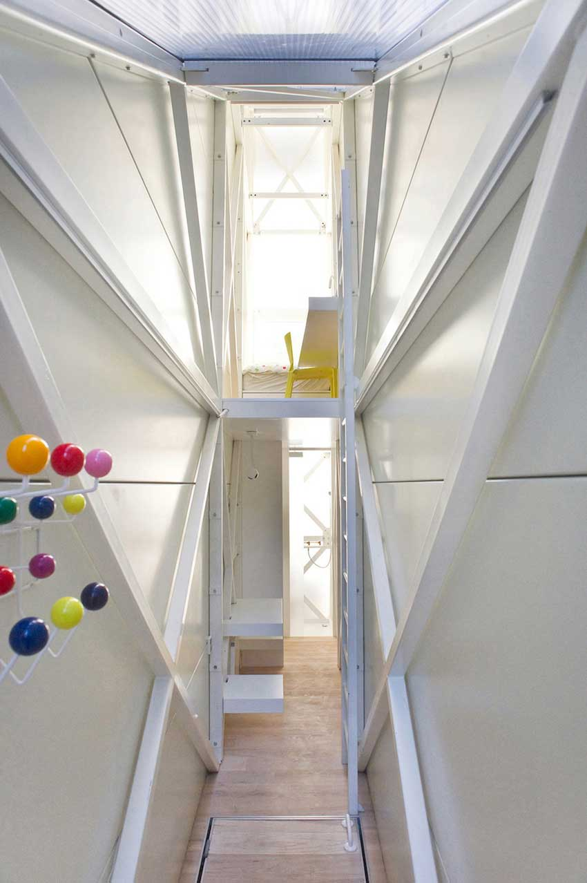 Keret House by Jakub Szczesny in Warsaw | Yellowtrace