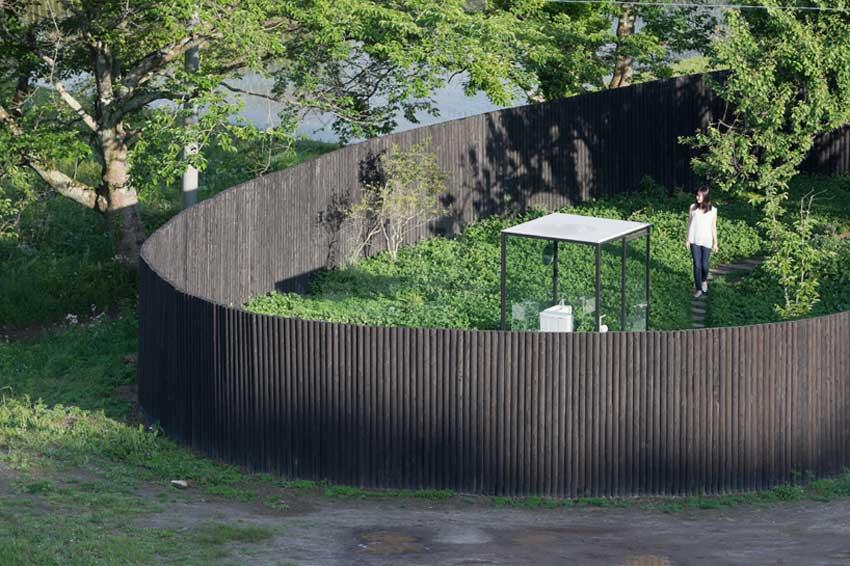 Sou-Fujimotos-Public-Toilet-Ichihara-Yellowtrace-06