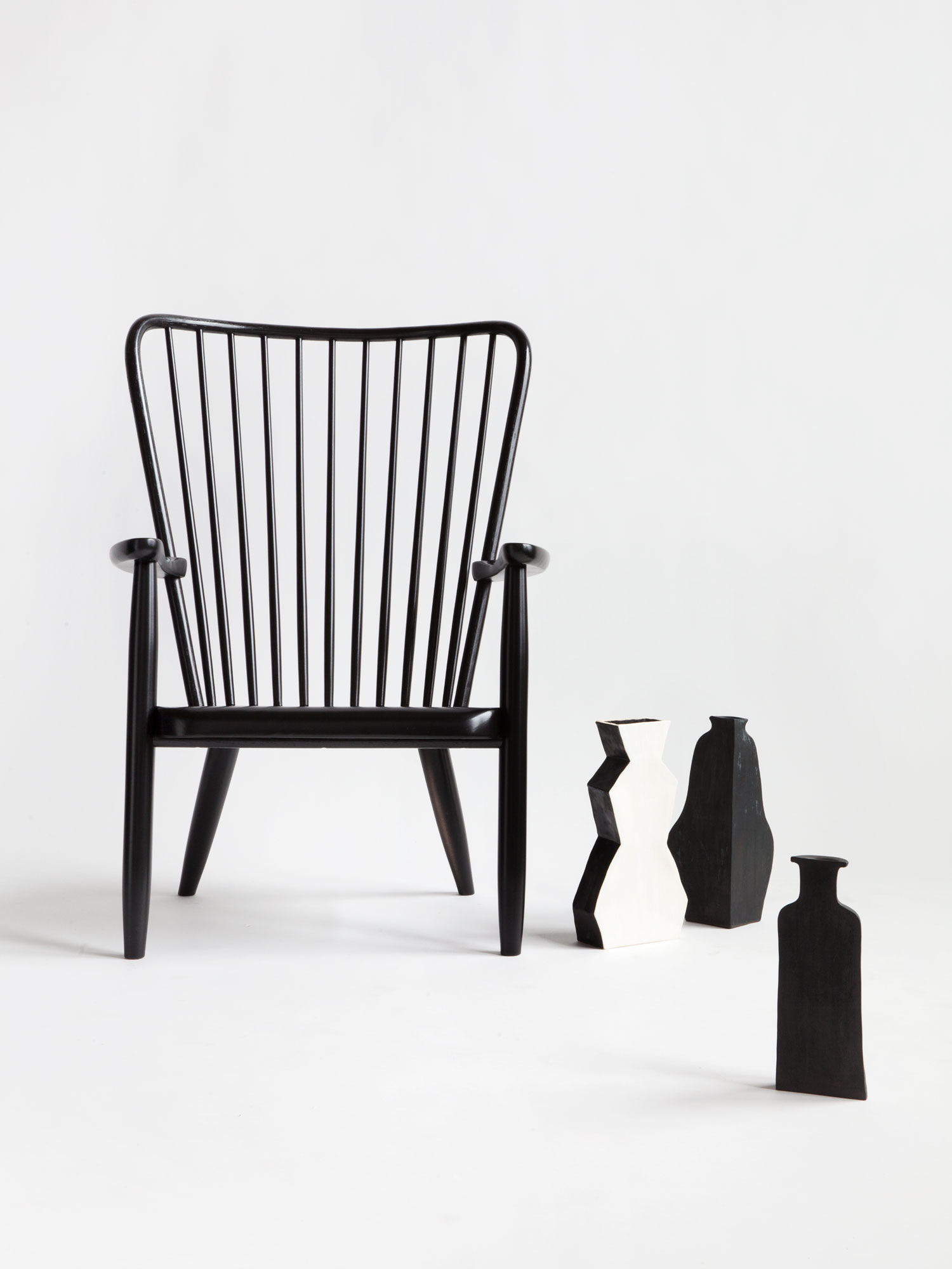 Windsor Lounge Chair by Moving Mountains | Yellowtrace