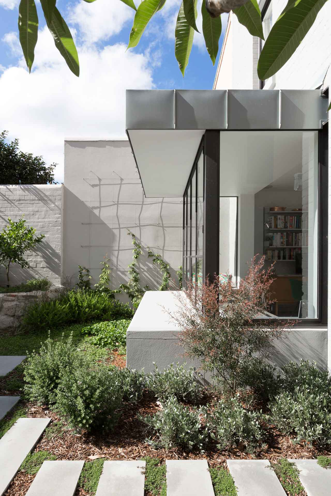 The Avenue Terrace in Randwick by Tom Ferguson & Arent&Pyke | Yellowtrace