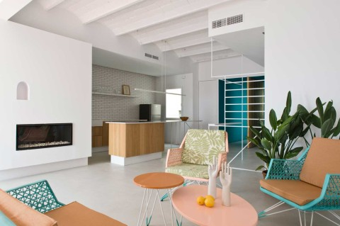 Refurbished Holiday Apartment by Colombo and Serboli Architecture // Barcelona.