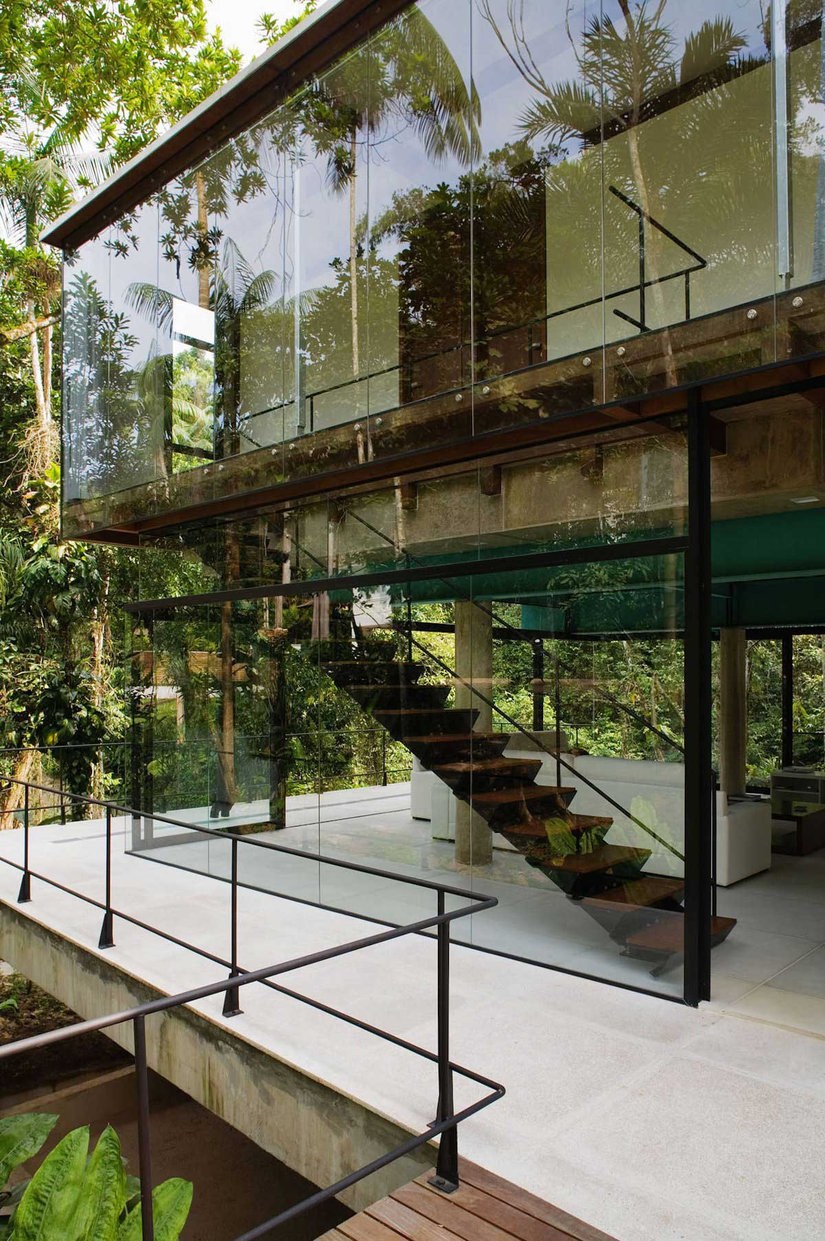 The Iporanga House by Nitsche Arquitetos Associados | Yellowtrace