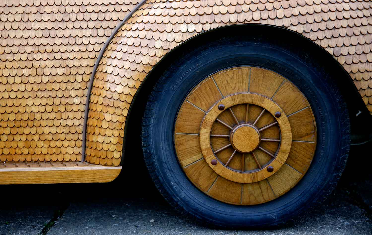 Bosnian Retiree Hand-builds Wooden Volkswagen Beetle | Yellowtrace