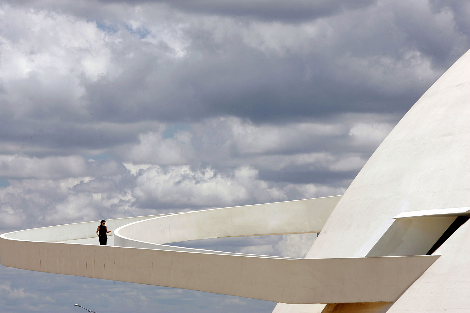 Brasilia National Museum by Oscar Neimier | Yellowtrace