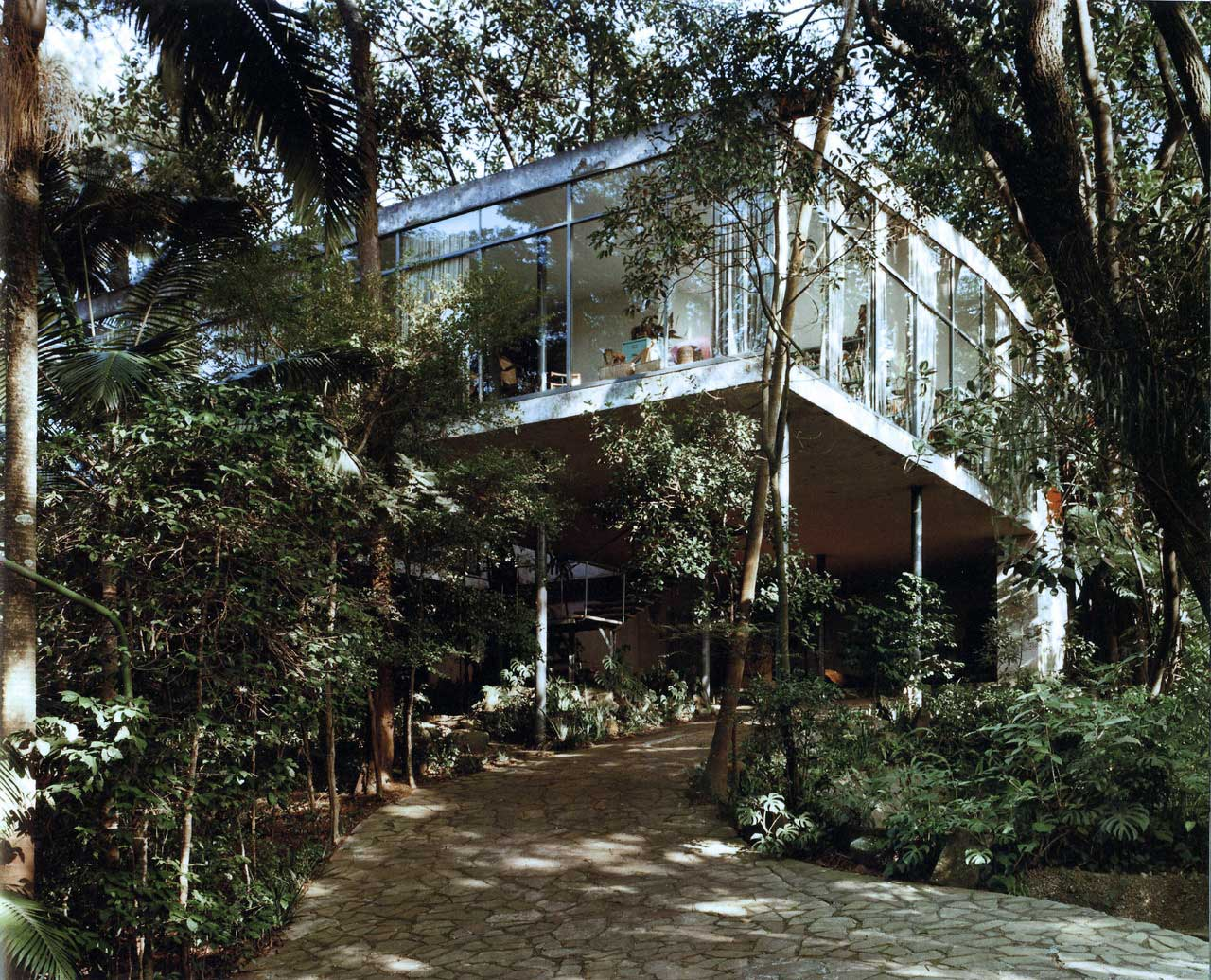 Casa de Vidro (Glass House) by Lina Bo Bardi | Yellowtrace