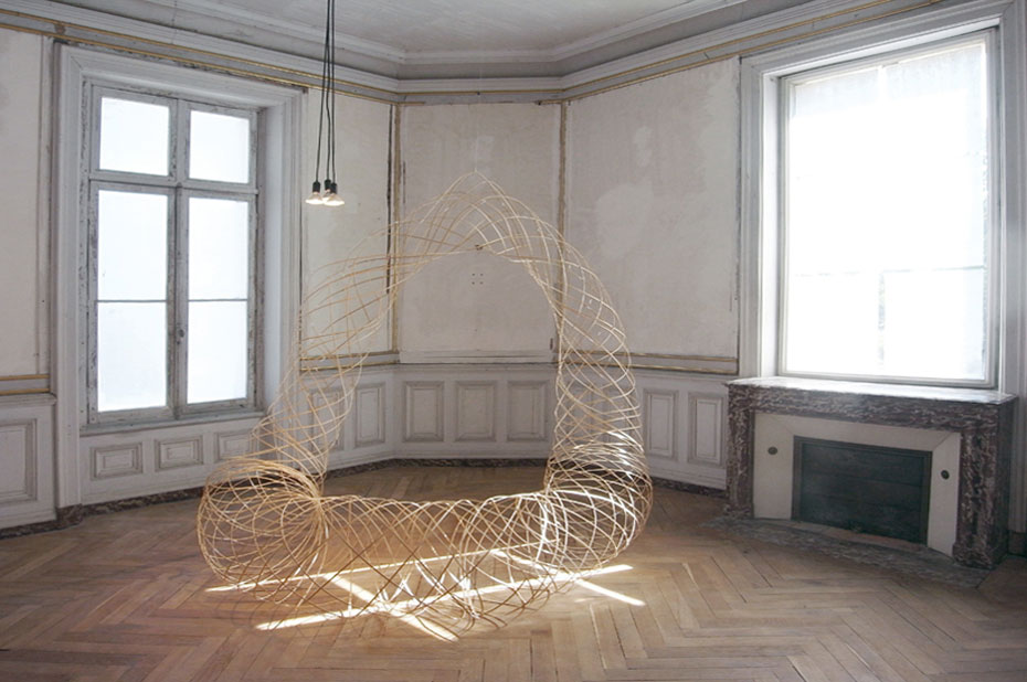 Flexible Bamboo Forms by Maria Blaisse | Yellowtrace