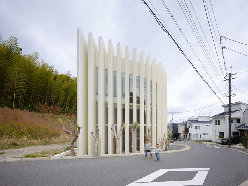 House in Muko by Fujiwaramuro Architects | Yellowtrace