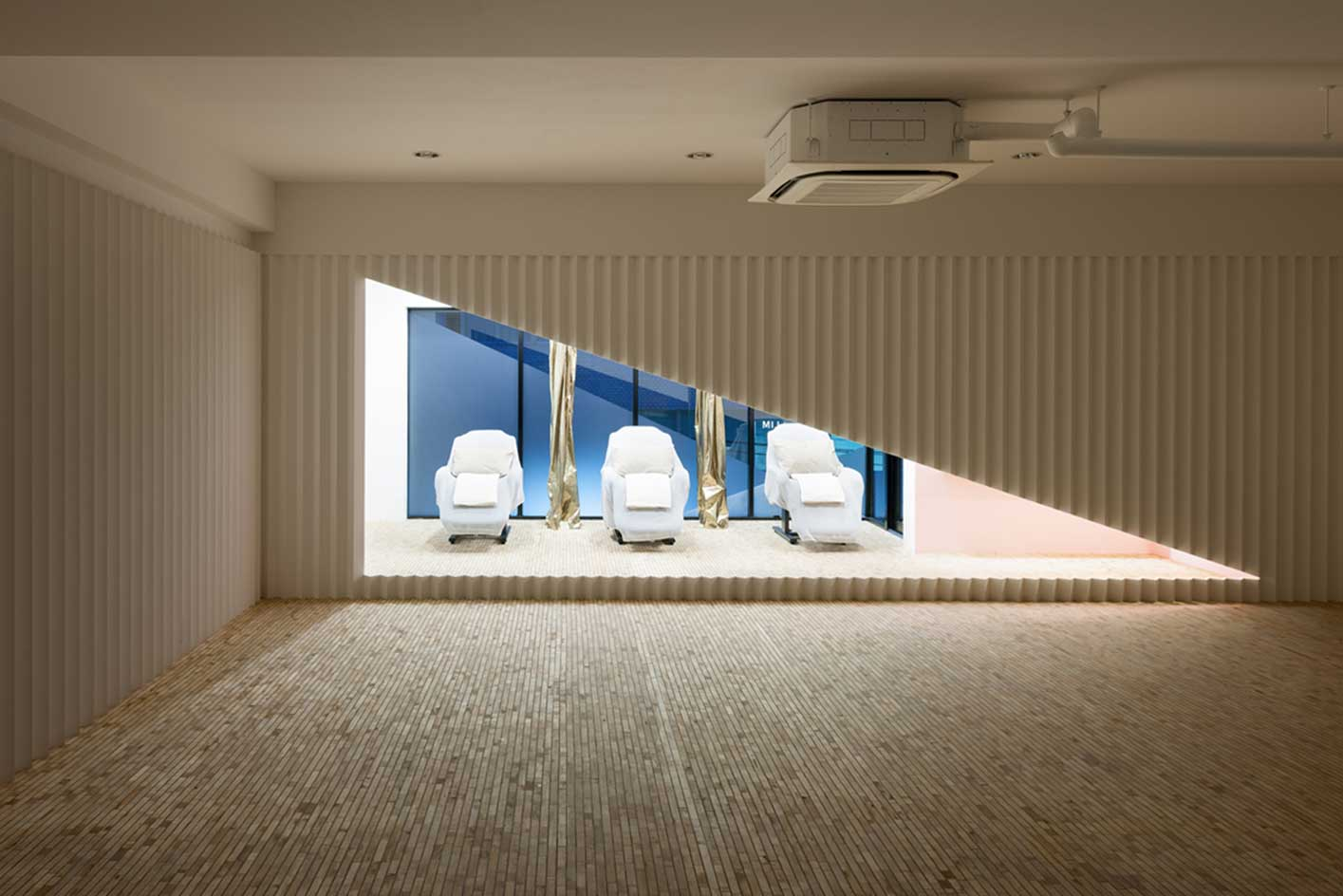 Kolmio+LIM by Yusuke Seki | Yellowtrace